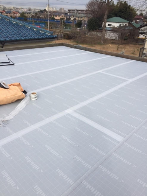 屋上の雨漏り修理でウレタン防水工事(サラセールAV50T使用)|東京都三鷹市のK様邸