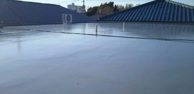 屋上の雨漏り修理でウレタン防水工事