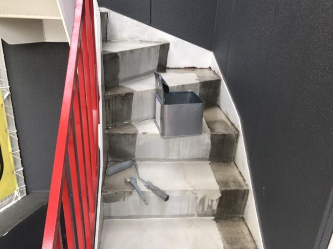 階段両脇の防水