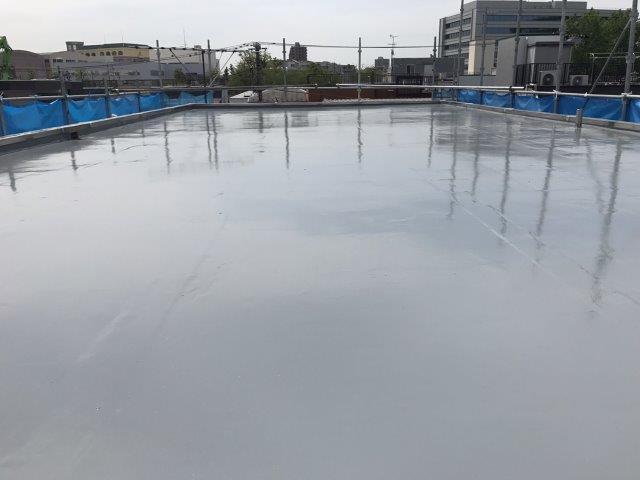屋上のゴムシート防水劣化による雨漏り修理(ウレタン通気緩衝工法)|東京都大田区蒲田のN様邸