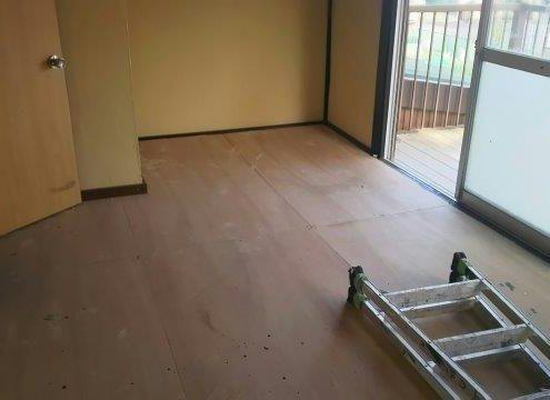 空き家の床張り替えリフォーム