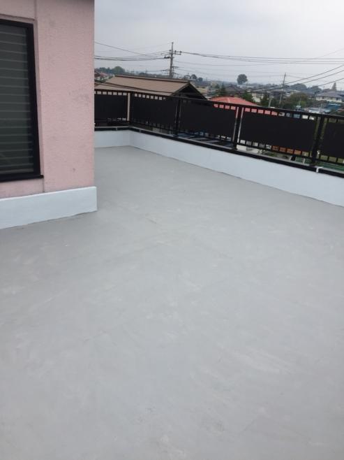 屋上のFRPトップコートの劣化による雨漏り防水工事(ウレタン防水・通気緩衝工法)|さいたま市大宮区にお住いのT様邸のリフォーム