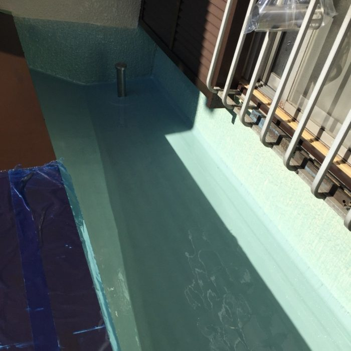 ベランダの木製コンパネからの防水工事(ウレタン通気緩衝工法)|千葉県船橋市船橋にお住いのM様邸のリフォーム