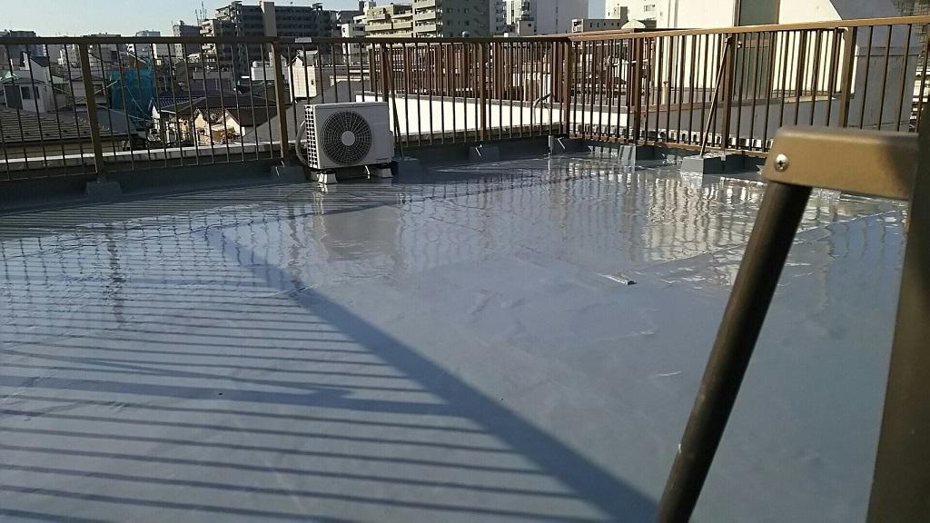 既存ウレタン防水層の劣化による屋上の雨漏り修理(ウレタン通気緩衝工法)|東京都墨田区にお住いのT様邸の外装リフォーム