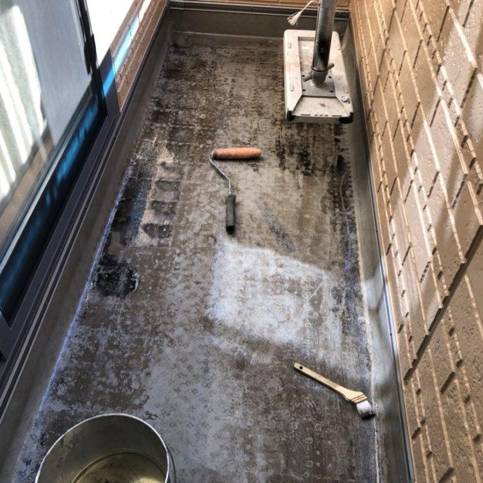 既存のFRP防水層経の劣化に伴うベランダの雨漏り修理(ウレタン密着工法)|埼玉県戸田市のA様邸の防水リフォーム