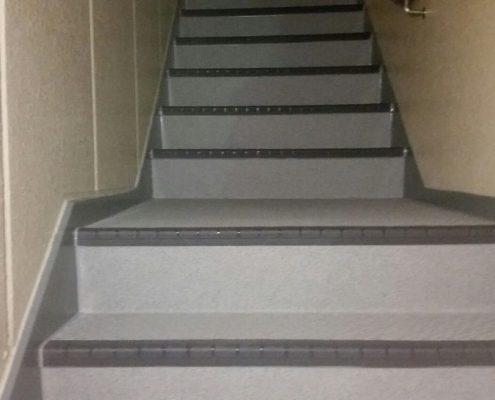 外階段の防滑ステップシート(タキステップ)