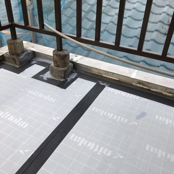 既存のウレタン防水層の劣化による屋上の防水工事(ウレタン通気緩衝工法)|埼玉県川口市にお住いのN様邸の雨漏り修理