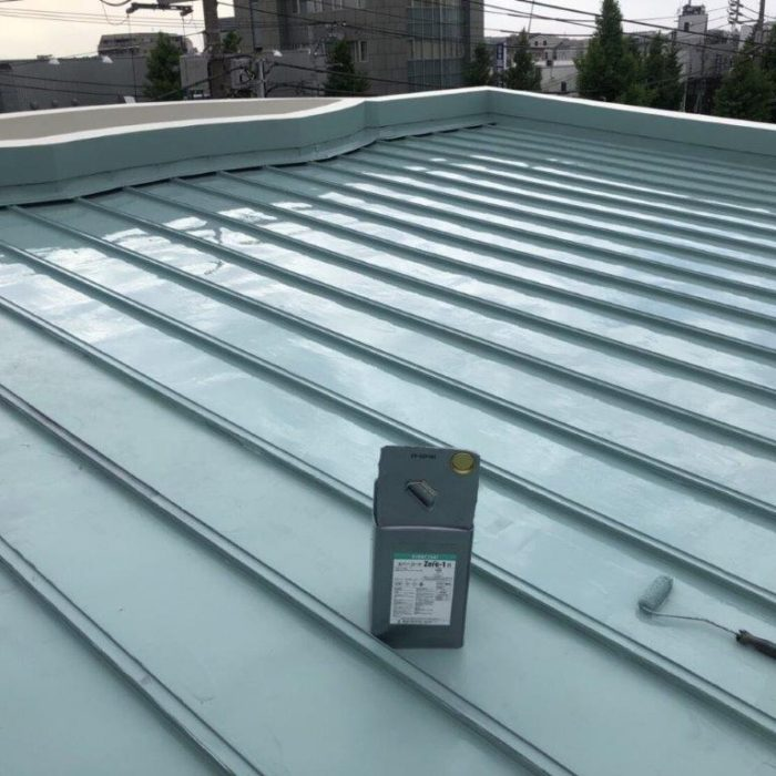 折板屋根ジョイント部からの漏水に伴う防水工事(ウレタン塗膜・密着工法)|東京都練馬区の某空き家にて雨漏り修理