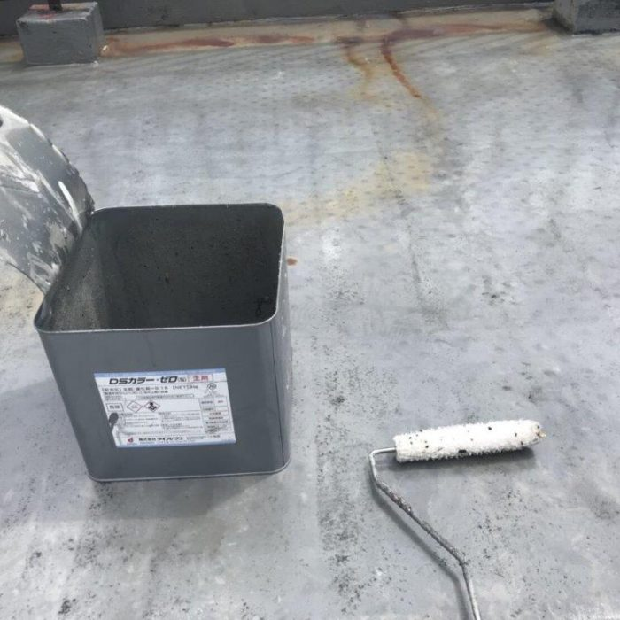 屋上の防水工事(ウレタン塗膜・カバー工法)|埼玉県八潮市の某クリーニング店にて雨漏り修理