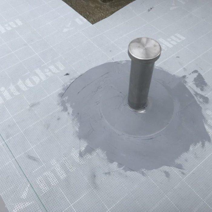 既存ウレタン防水層の劣化に伴う屋上防水(ウレタン塗膜・通気緩衝工法)|埼玉県川口市のTマンションにて雨漏り修理