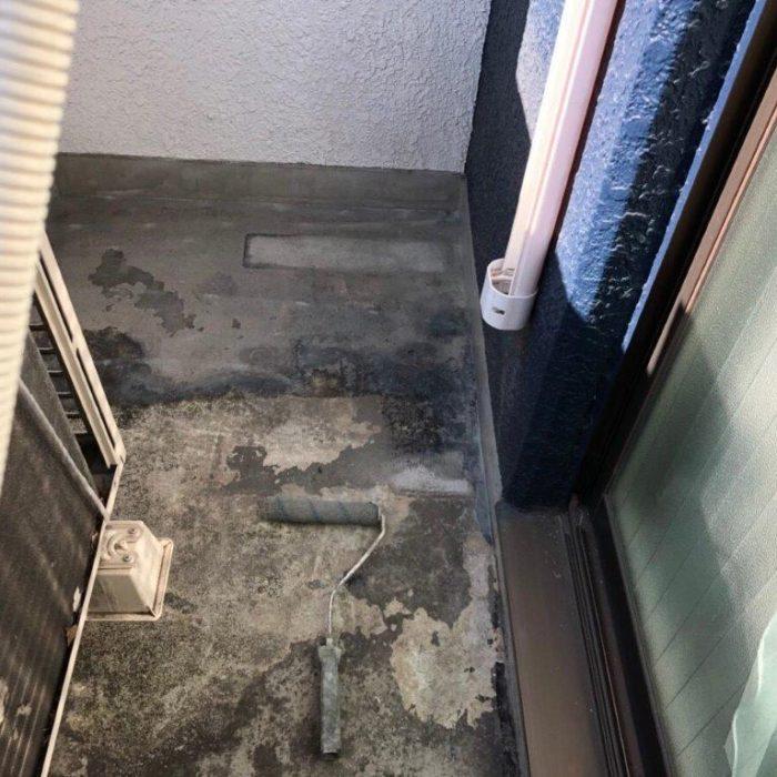 ベランダの既存トップコート劣化に伴う防水工事(ウレタン密着工法)|東京都江東区の某ホテルにて雨漏り修理
