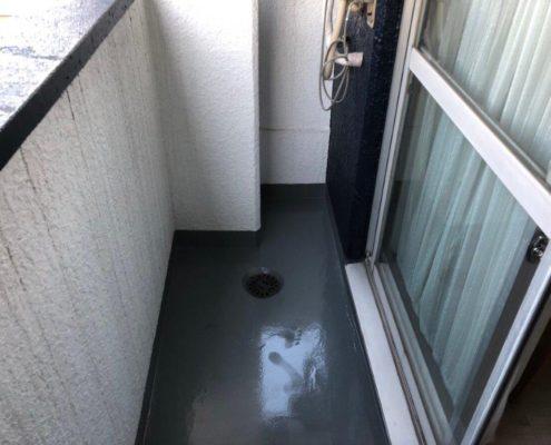 ホテルのベランダにて防水工事
