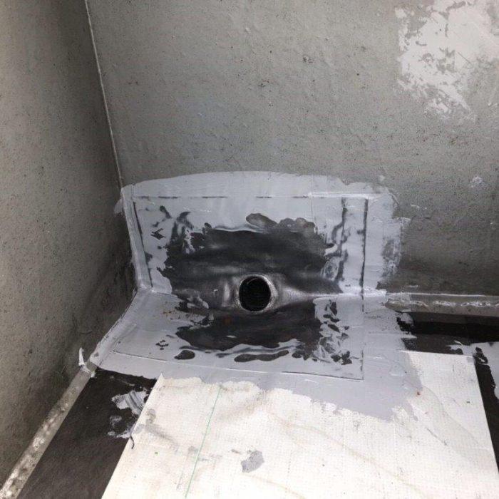 既存防水層の劣化に伴う屋上の防水工事(ウレタン塗膜・通気緩衝工法)|東京都目黒区のT様邸にて雨漏り修理
