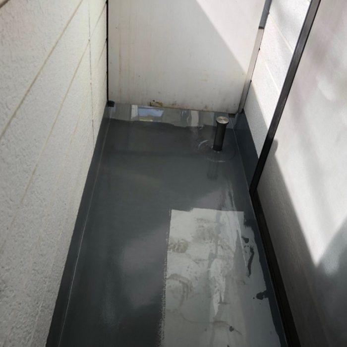 ベランダの防水工事(ウレタン塗膜 通気緩衝工法)|東京都板橋区赤塚のAアパートにて雨漏り修理