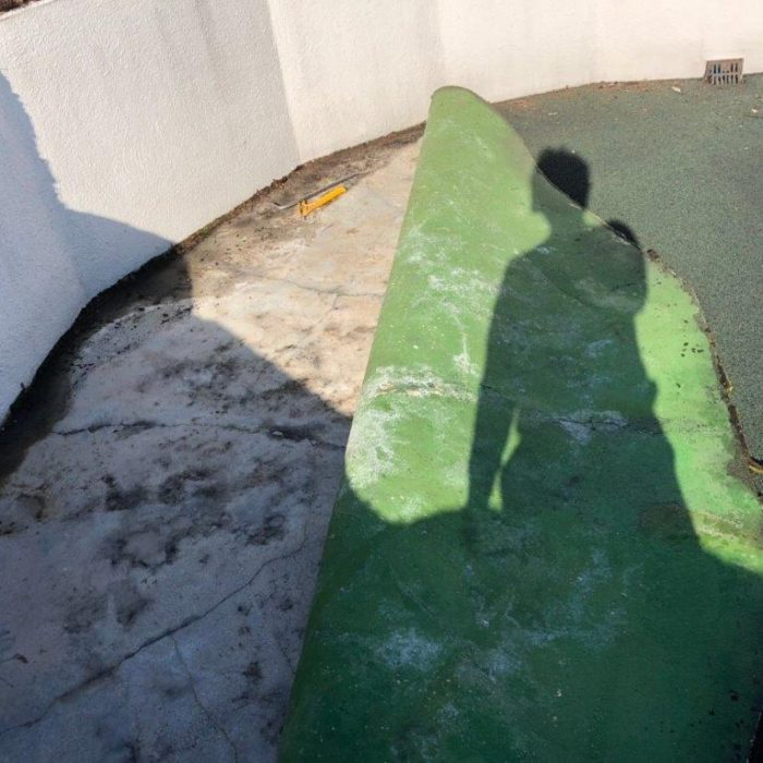 屋上の防水工事(ウレタン塗膜・通気緩衝工法)|東京都目黒区のS様邸にて雨漏り修理