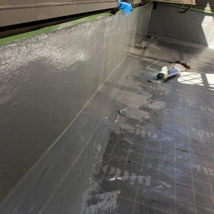 ベランダの防水工事(ウレタン塗膜 通気緩衝工法)|千葉県流山市のK様邸にて雨漏り修理