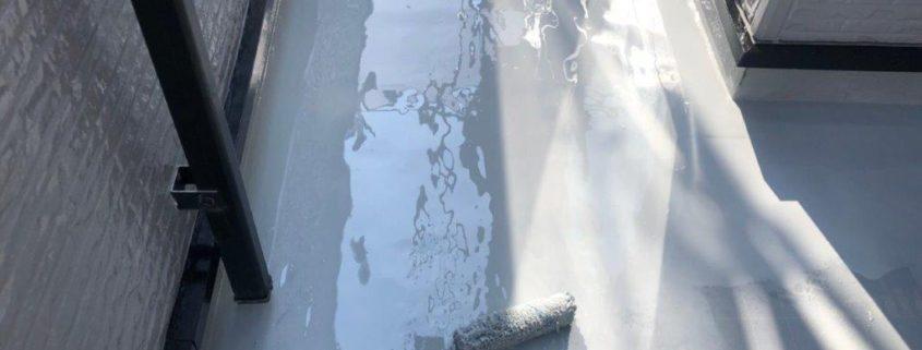 ウレタン防水(1層目)塗布中