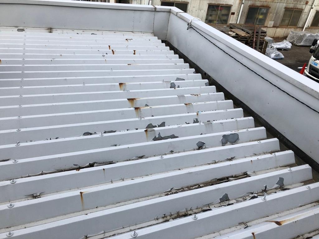 施工前の折板屋根