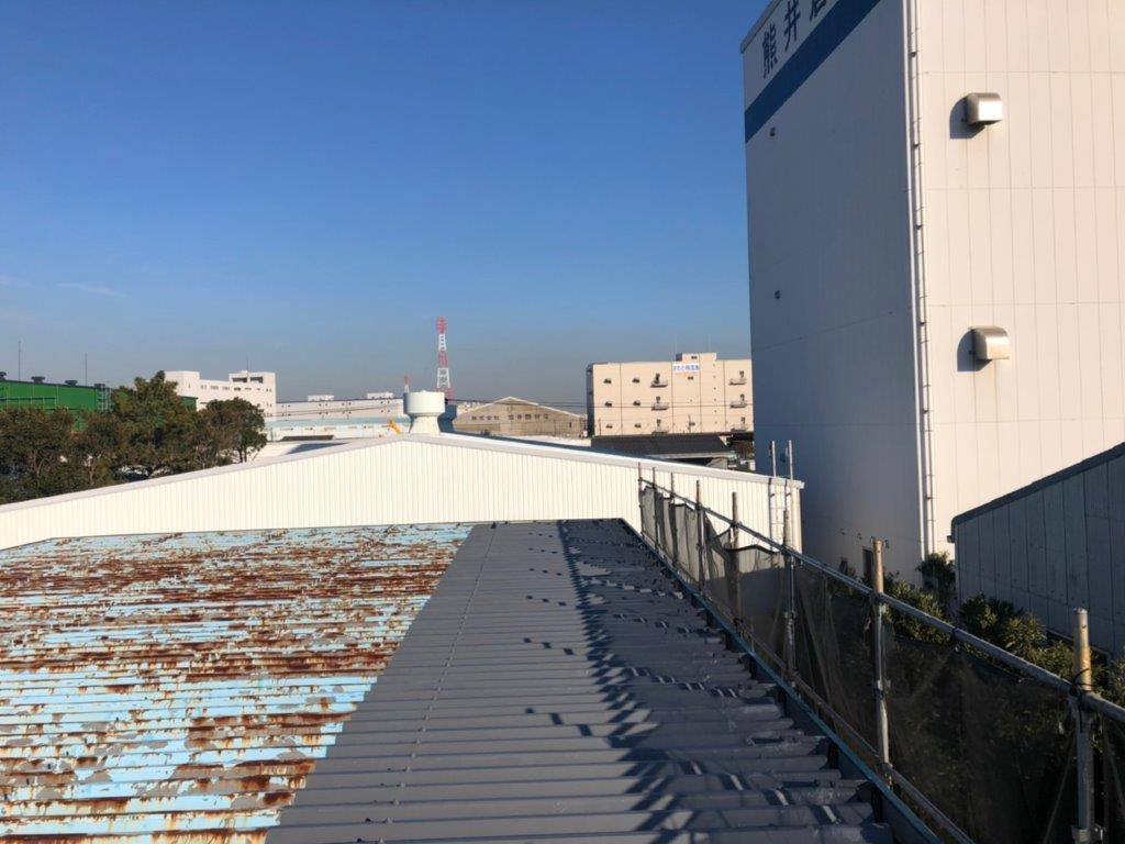 折板屋根の防水工事完工