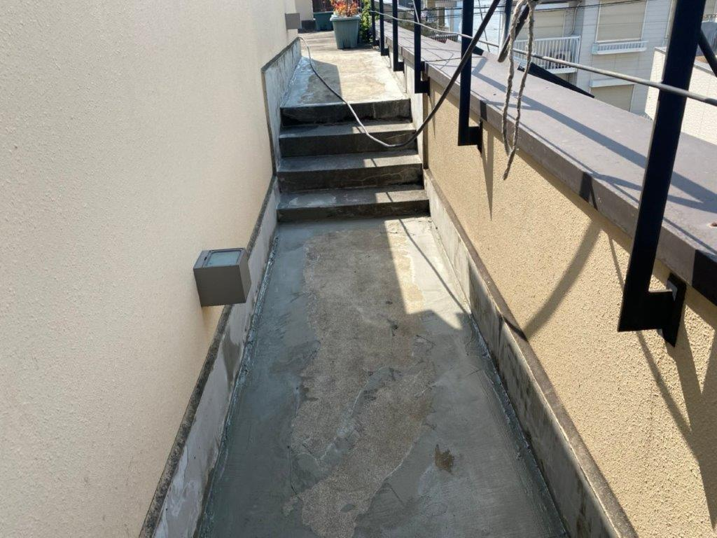 剥き出しのコンクリート