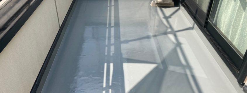 ベランダのトップコート塗装