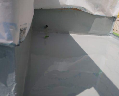 ベランダのウレタン樹脂2層目の塗装