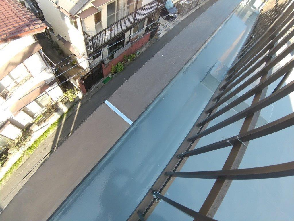 立ち上がり・側溝のトップコート塗装
