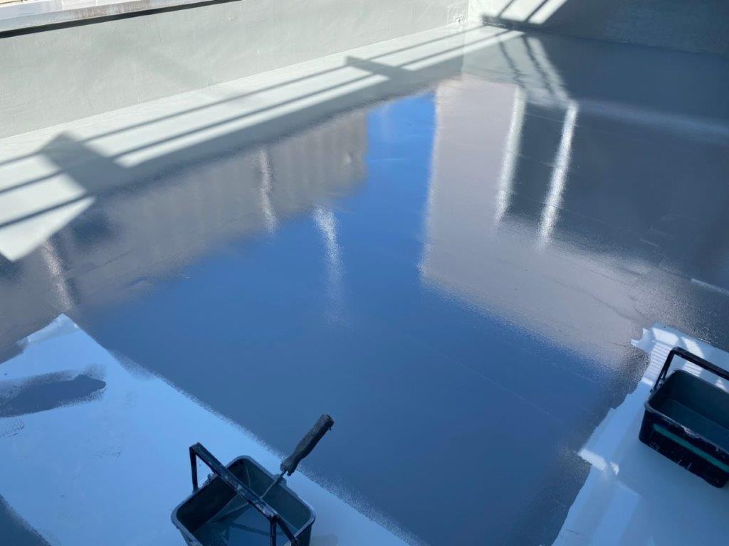 屋上平面部のトップコート塗装